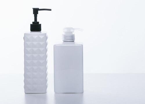 手順1:頭皮の汚れを落とすためにしっかりとシャンプーする