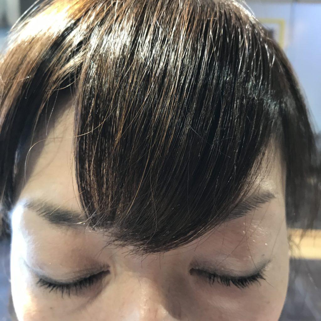 ステップ4: サイドの束をセンターに寄せて毛先を確認する(1)
